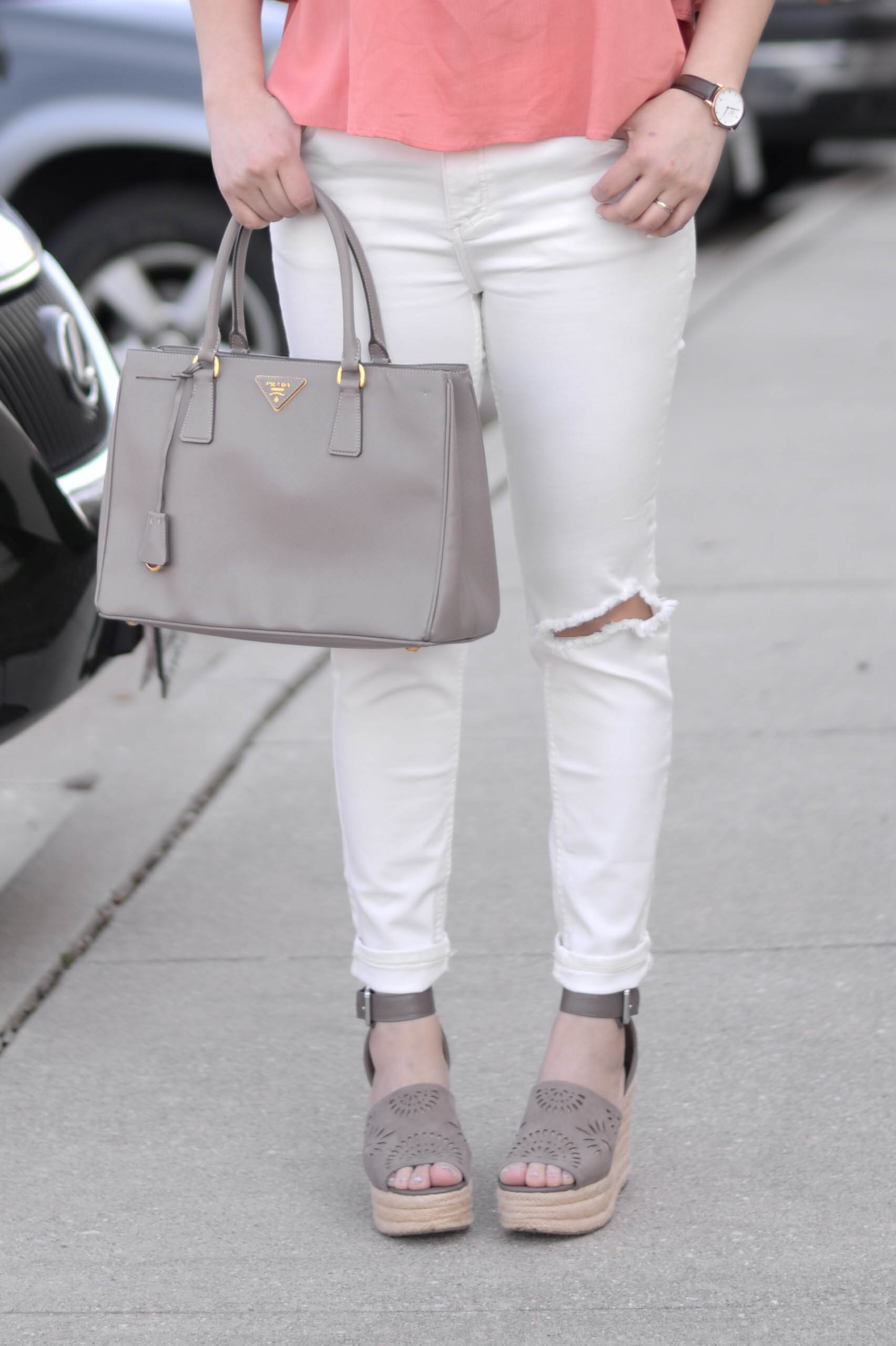 Comfiest White Distressed Jeans